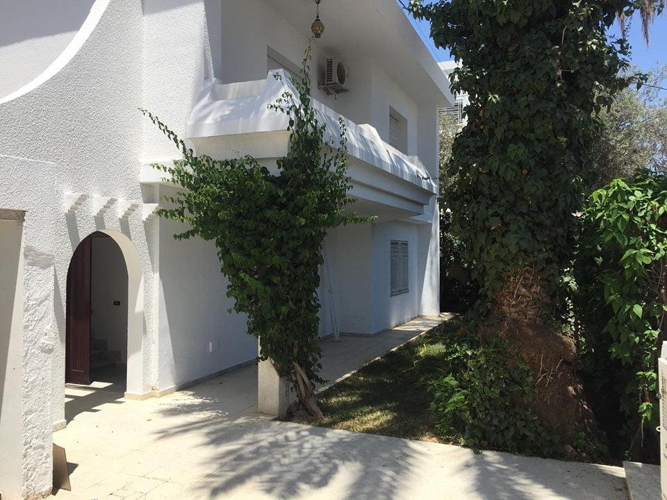 A louer une villa pour habitation ou bureau coté pmf à mutuelle